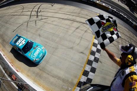 NASCAR Sprint Cup: Jimmie Johnson vence em Dover