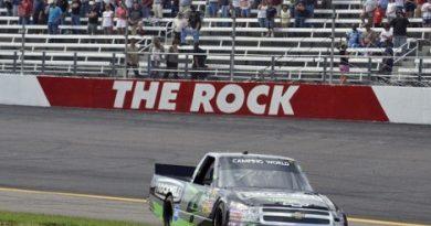 NASCAR Truck Series: Kasey Kahne vence em Rockingham