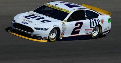 NASCAR Sprint Cup Series: Brad Keselowski marca no Kansas