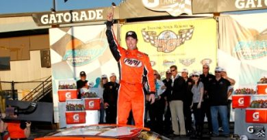 NASCAR K&N Pro Series West: David Mayhew vence em Phoenix