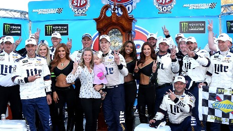 NASCAR Monster Energy Cup Series: Brad Keselowski vence em Martisnville