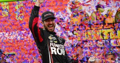 NASCAR Monster Energy Cup Series: Martin Truex Jr. vence em Chicago