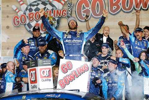 NASCAR Monster Energy Cup Series: Martin Truex Jr. vence prova acidentada no Kansas