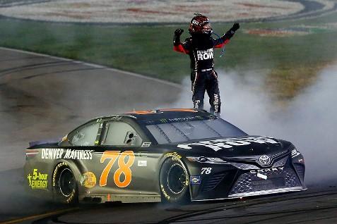 NASCAR Monster Energy Cup Series: Martin Truex Jr. vence em Kentucky
