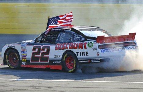 NASCAR Nationwide Series: Brad Keselowski vence em Charlotte