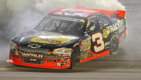 NASCAR Nationwide Series: Austin Dillon domina em Kentucky e assume liderança do campeonato