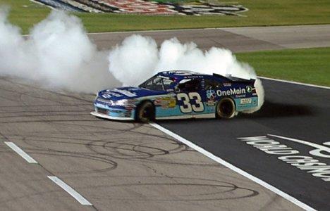 NASCAR Nationwide Series: Kevin Harvick vence no Texas