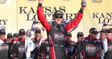 NASCAR Nationwide Series: Matt Kenseth vence no Kansas