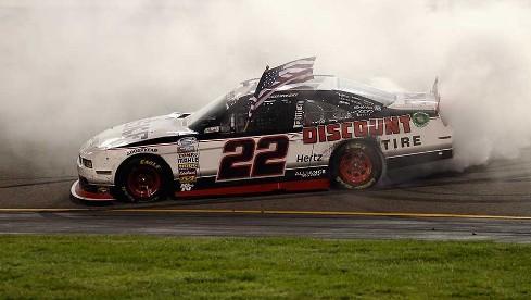 NASCAR Nationwide Series: Keselowski vence em Richmond. Nelsinho Piquet sai no tapa com Brian Scott