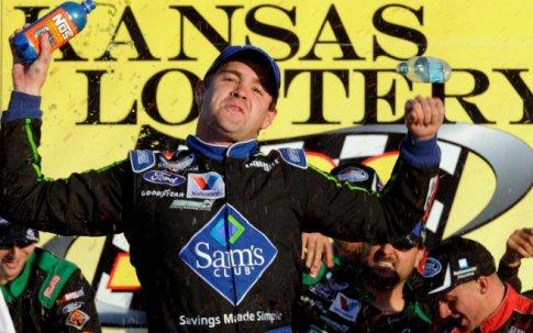 NASCAR Nationwide Series: Ricky Stenhouse Jr. vence no Kansas