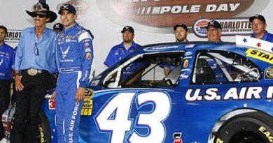 NASCAR Sprint Cup Series: Aric Almirola marca a pole-position em Charlotte