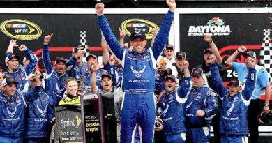 NASCAR Sprint Cup: Chuva encurta prova acidentada em Daytona