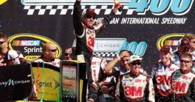 NASCAR Sprint Cup Series: Greg Biffle vence em Michigan e assume liderança do campeonato