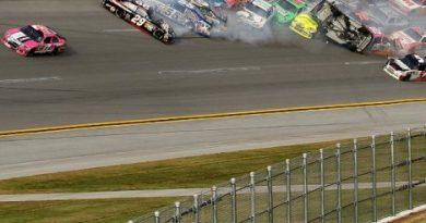 NASCAR Sprint Cup Series: Matt Kenseth vence em Talladega