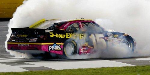 NASCAR Sprint Cup Series: Clint Bowyer vence em Charlotte