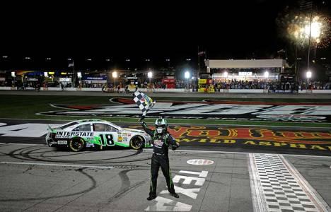 NASCAR Sprint Cup Series: Kyle Busch vence no Texas