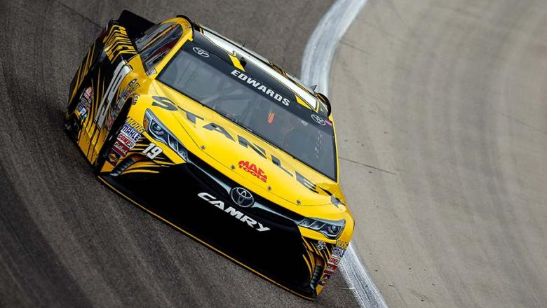 NASCAR Sprint Cup Series: Carl Edwards marca a pole no Texas