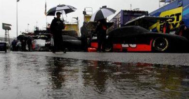 NASCAR Sprint Cup Series: Chuva cancela treino em Dover. Jimmie Johnson sai na pole