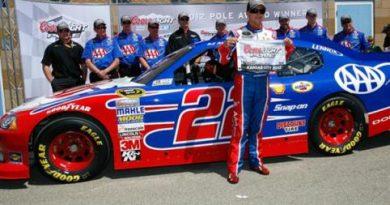 NASCAR Sprint Cup Series: A.J.Allmendinger marca a pole no Kansas