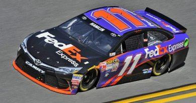 NASCAR Sprint Cup Series: Denny Hamlin marca a pole em Dover