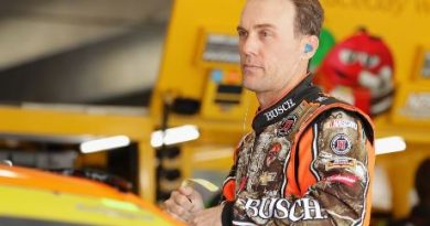 NASCAR Sprint Cup Series: Kevin Harvick marca a pole em Charlotte