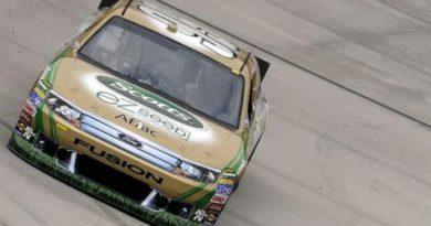 NASCAR Sprint Cup Series: Carl Edwards marca a pole-position em Bristol