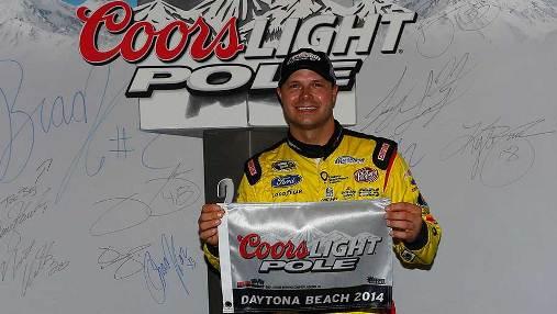 NASCAR Sprint Cup Series: Chuva bagunça treino, e David Gilliland marca a pole em Daytona