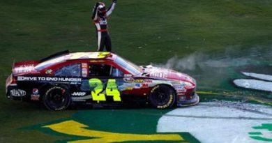 NASCAR Sprint Cup Series: Jeff Gordon vence em Phoenix