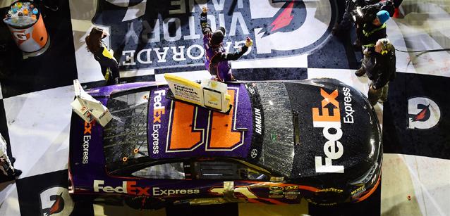 NASCAR Sprint Cup Series: Denny Hamlin vence o Sprint Unlimited