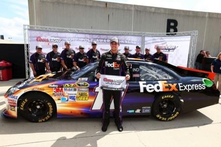 NASCAR Sprint Cup Series: Denny Hamlin marca a pole em Indianápolis