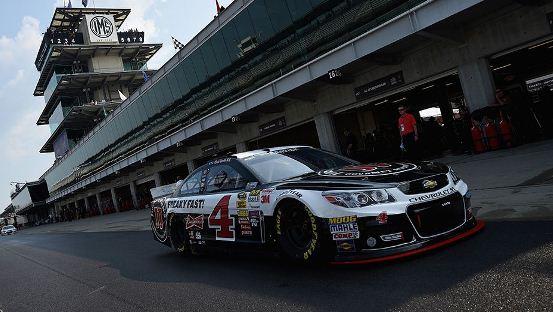 NASCAR Sprint Cup Series: Kevin Harvick marca a pole em Indianápolis