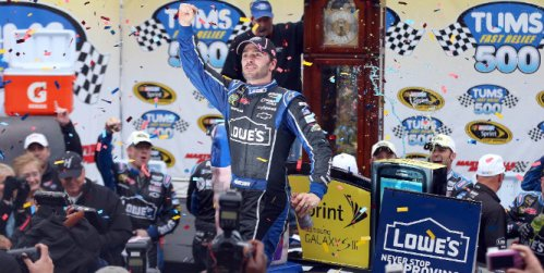 NASCAR Sprint Cup Series: Jimmie Johnson vence em Martinsville e assume liderança do campeonato
