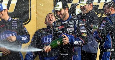 NASCAR Sprint Cup Series: Jimmie Johnson vence no Kansas