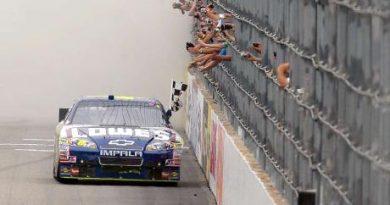 NASCAR Sprint Cup Series: Jimmie Johnson vence em New Hampshire