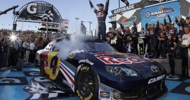 NASCAR Sprint Cup Series: Kasey Kahne vence em Phoenix