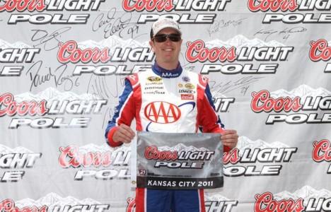 NASCAR Sprint Cup Series: Kurt Busch marca a pole em Kansas