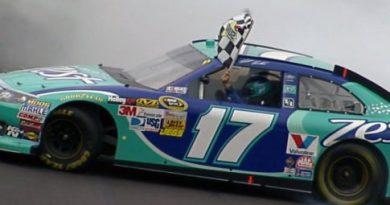 NASCAR Sprint Cup Series: Matt Kenseth vence no Kansas