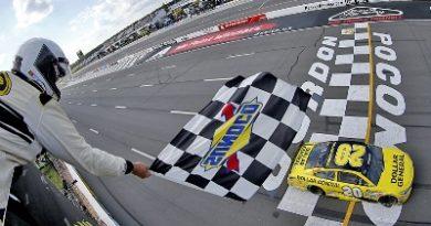 NASCAR Sprint Cup Series: Matt Kenseth vence em Pocono