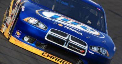 NASCAR Sprint Cup Series: Brad Keselowski marca a pole em Charlotte