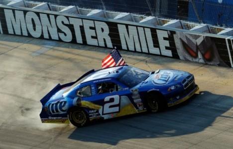 NASCAR Sprint Cup: Brad Keselowski vence em Dover, e assume liderança do Chase