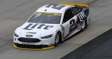 NASCAR Sprint Cup Series: Chuva cancela classificatório em Dover