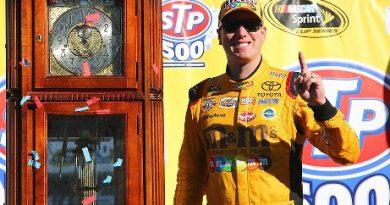 NASCAR Sprint Cup Series: Kyle Busch vence em Martinsville