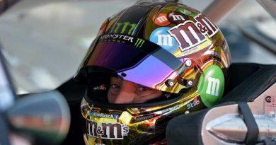 NASCAR Sprint Cup Series: Kyle Busch marca a pole em Bristol