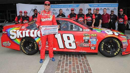 NASCAR Sprint Cup Series: Kyle Busch marca a pole em Indianápolis