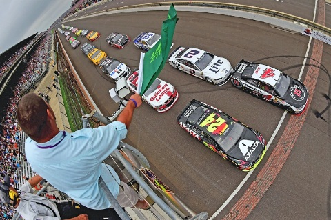 NASCAR Sprint Cup Series: Jeff Gordon vence em Indianápolis