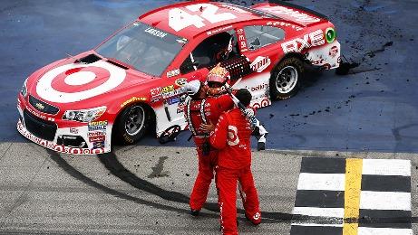 NASCAR Sprint Cup Series: Kyle Larson vence pela primeira vez