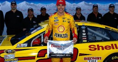 NASCAR Sprint Cup Series: Joey Logano marca a pole em Martinsville