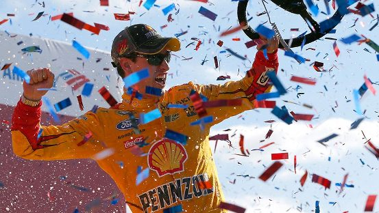 NASCAR Sprint Cup Series: Joey Logano vence em Charlotte