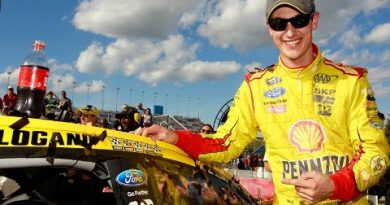 NASCAR Sprint Cup Series: Joey Logano vence no Kansas