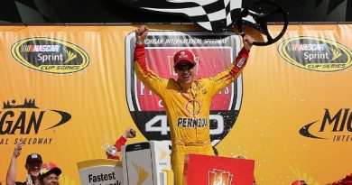 NASCAR Sprint Cup Series: Joey Logano vence em Michigan